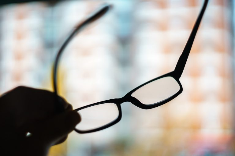 Top Vaucluse Optometrist Treats and Prevents Shortsighted Myopic Adults and Kids